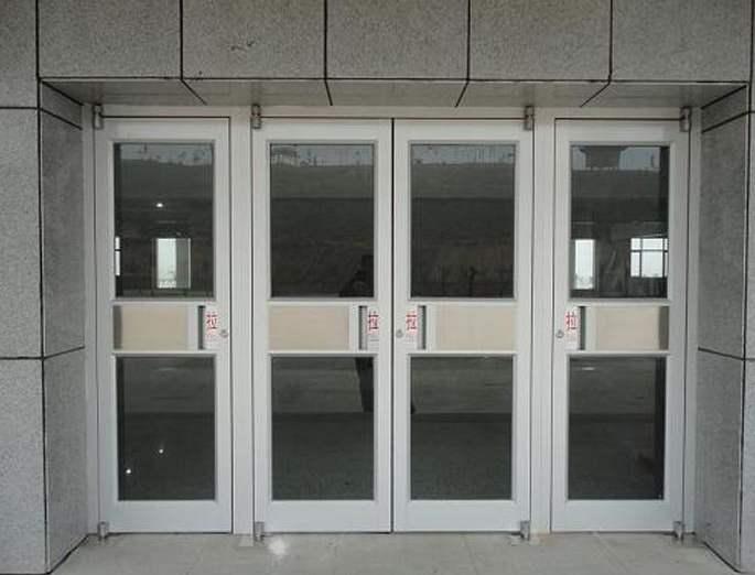 北京安装肯德基门换玻璃门