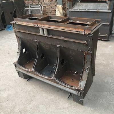 厂家直销定做水泥猪食槽模具    猪槽模具养猪设备