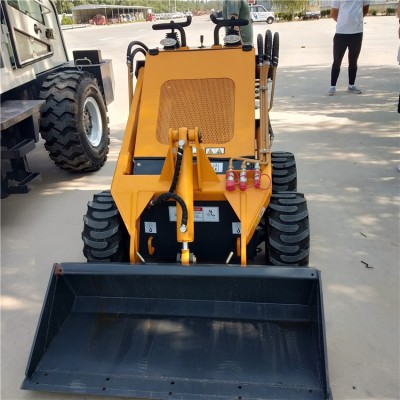揭阳建筑垃圾铲运车酒厂用四驱小铲车挂接不同工作装置
